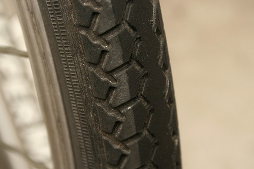 s-tire001.jpg